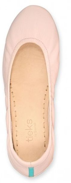 LOVE these ballerina pink Tieks! http://rstyle.me/n/xdwbnyg6