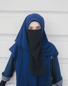 Setahunbaru: Happy Hijab Girl Has a Love Niqab Fashion, Muslim Fashion, Fashion Outfits, Beautiful Muslim Women, Beautiful Hijab, Hijabi Girl, Girl Hijab, Hijab Cartoon, Hijab Niqab