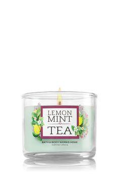 Wine Cellar Medium Candle Home Fragrance 1037181 Bath