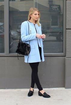 blazer outfit sky blue/black structured look + coat STYLE by STASSI.via ClosetSpace himmelblau / schwarz strukturierter Look + Mantel STYLE by STASSI . via ClosetSpace Blue Blazer Outfit, Blue Dress Outfits, Blazer Outfits For Women, Look Blazer, Sky Blue Blazer, Blue Dresses, Light Blue Coat, Himmelblau, Lady