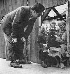 """Brendan Behan, who called himself """"a drinker with writing problems. Oral History, History Pics, Writing Problems, Irish People, Irish Eyes Are Smiling, Irish Culture, Historical Photos, Ireland, Literature"""