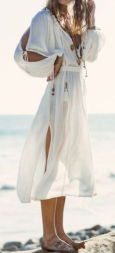 A Summer by the Mediterranean   We all hold childhood summer memories. I spent mine in the Costa Brava (Spain), by the Mediterranean. Flowy white dresses, summer hats, capazo baskets, gladiator sandals... Click on the image to feel inspired by the magical Mediterranean summer.