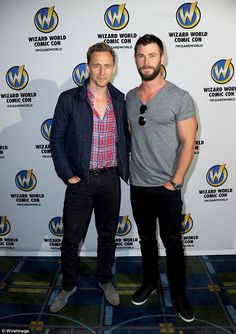 Tom Hiddleston and Chris Hemsworth at a convention for Thor:Ragnarok. Tom Hiddleston and Chris Hemsworth at a convention for Thor:Ragnarok. Chris Hemsworth Thor, Tom Hiddleston Loki, Thomas William Hiddleston, Loki Thor, Hiddleston Daily, Loki Laufeyson, The Avengers, Snowwhite And The Huntsman, Look Short