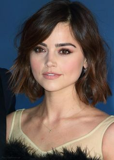 Jenna Coleman get good skin too read skincaretip You can find Jenna coleman and more on our website.Jenna Coleman get good skin too read skincaretip Short Bob Haircuts, Long Bob Hairstyles, Pretty Hairstyles, Jenna Coleman Haircut, Jenna Coleman Hair Short, Jenna Coleman Style, Short Hair Cuts, Short Hair Styles, Hair Color Streaks
