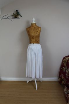 Vintage midi skirt 80s does 50s size 6 8 white by BebopBoutiqueuk
