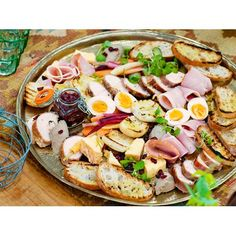 This Christmas ploughman's platter is essentially a selection of cheese, pickles, ham, boiled egg and crusty bread. It's also great for Boxing Day