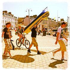 #Day7 of #100HappyDays – of #Faberystwyth: Heading to the beach… ===============  #Diwrnod7 of #100DiwrnodHapus - #Ffaberystwyth: Trip i'r traeth… #aberystwyth #wales #beach #fun #unilife
