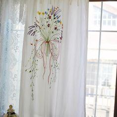 #자수커텐#자수타그램#커텐#프랑스자수#취미 #플라워부케#handmade#embroidery#stitch  창가에 걸어본 플라워부케 자수커텐.. 괜찮은가요?^^