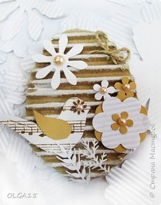 Сувениры из гофрокартона | Страна Мастеров Easy Crafts, Diy And Crafts, Paper Crafts, Easter Crafts For Kids, Diy For Kids, Paper Quilling Cards, Easter Egg Designs, Diy Ostern, Paper Weaving