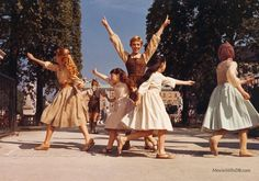 The Sound of Music - Publicity still of Julie Andrews, Debbie Turner, Heather Menzies, Kym Karath & Angela Cartwright. The image measures 1736 * 1223 pixels and was added on 18 November Sound Of Music Movie, Movie Tv, My Fair Lady, Broadway, Julie Andrews, Music Aesthetic, Star Pictures, Hollywood, Movie Wallpapers