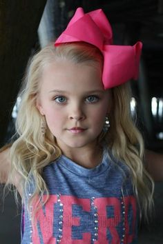 Jojo with the bow bow and the sass! Dance Moms Dancers, Dance Mums, Dance Moms Girls, Jojo Siwa's Phone Number, Chloe Kendall, Gal Gabot, Jojo Bows, Show Dance, Dance Outfits