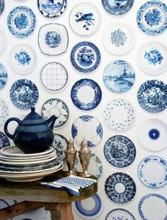 Blue Porcelain wallpaper by Dutch design enterprise Studio Ditte. www.studioditte.com