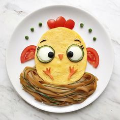 20 Successful and Easy-to-Do Examples of Breakfast Plate Design - DifferentDifferent Cute Snacks, Snacks Für Party, Cute Food, Good Food, Plate Design, Food Design, Toddler Meals, Kids Meals, Kreative Snacks