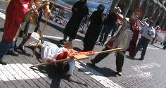 AREQUIPA. Trabajador judicial fue crucificado en plaza de Armas de Arequipa http://hbanoticias.com/6485