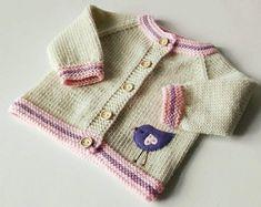 Pull en laine mérinos bio bébé oiseau pull tricot bébé blanc et rose pullower bébé fille cardigan fait sur commande