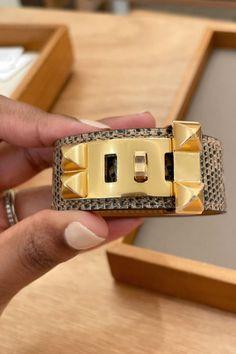 New, smaller Hermes Collier De Chien 24 bracelet. Hermes, Usb Flash Drive, Jewels, Bracelets, Jewerly, Bracelet, Gemstones, Fine Jewelry, Gem