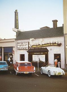 The Lighthouse jazz club, Hermosa Beach. (c) William Claxton Saw Cannonball Adderly in the mid William Claxton, Hermosa Beach, Jazz Club, Vintage Surf, Smooth Jazz, City Of Angels, Jazz Musicians, Beach Photos, Surfing