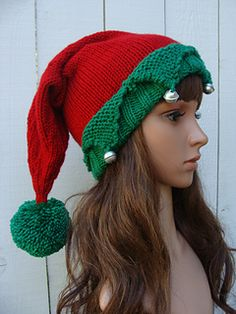 ✿ Make this adorable knit Elf hat, and be the life of the party this holiday season.
