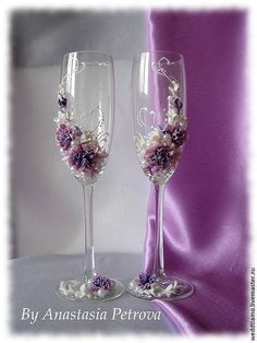 Купить или заказать Сведебные бокалы 'Fieria' в интернет-магазине на Ярмарке Мастеров. Свадебные бокалы стоят 2000р, к ним можно сделать весь набор в том числе свадебный букет, который тоже представлен на фото!