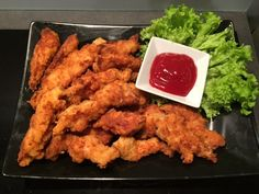 Domowe Stripsy a'la KFC - Blog z apetytem Kfc, Polish Recipes, Polish Food, Party Snacks, Tandoori Chicken, Chicken Wings, Poultry, Food To Make, Guacamole