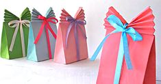 Put The Perfect Finishing Touch On A Gift With These DIY Paper Gift Bags!