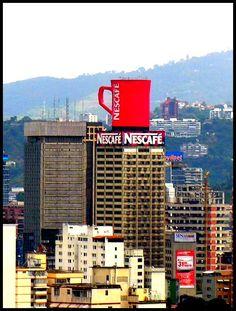 Zona de Plaza Venezuela, Edificio Nescafé, Caracas, Venezuela