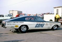 "Roger Lindamood ""Color Me Gone"" 66 Dodge Charger. (A/FX) Logghe chassis, fuel injected 426 hemi (Snavely & Langford Dodge) Funny Car Drag Racing, Nhra Drag Racing, Funny Cars, Auto Racing, Rat Rods, Drag Bike, Vintage Race Car, Drag Cars, Car Humor"