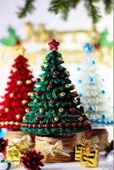 Vuoi realizzare questi bellissimi alberelli di Natale? Allora visita il sito cliccando sulla foto.