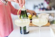 Fredagsdrinken: French 75 6 k i l o . A Food, Food And Drink, French 75, Limoncello, Lchf, Yummy Drinks, White Wine, Vodka, Alcoholic Drinks