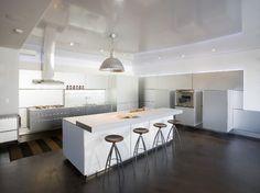 12 innovative kitchen bar designs for a modern kitchen interior - AWOMANSTYLE Elegant Kitchens, Modern Farmhouse Kitchens, Beautiful Kitchens, White Kitchens, Ikea Kitchens, Kitchen White, Küchen Design, Home Design, Layout Design