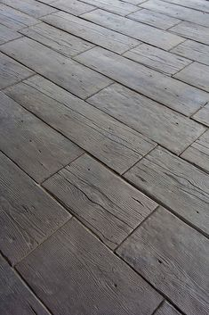 The look of weathered white pine, with soft edges, deep splits and detailed grain on five surfaces. Barn Plank is wetcast concrete and will…