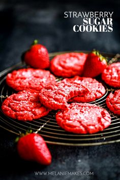 These buttery Strawberry Sugar Cookies have crisp edges soft centers and best of all! a burst of fresh sweet strawberry flavor. These buttery Strawberry Sugar Cookies have crisp edges soft centers and best of all! a burst of fresh sweet strawberry flavor. Spice Cookies, Yummy Cookies, Sugar Cookies, Cookies Et Biscuits, Pumpkin Cookies, Cool Cookies, Ginger Cookies, Baby Cookies, Heart Cookies