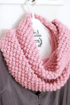 """Mönstret på min tubhalsduk heter verkligen björnbär, och visst bildar mönstret små """"bär""""... Jag har stickat i garnet DIS (Gjes... Crochet Scarves, Crochet Clothes, Knit Crochet, Sweater Knitting Patterns, Knitting Sweaters, Crochet Accessories, Yarn Crafts, Handicraft, Knitted Hats"""