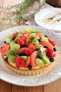 Fruit Tart, Fruit Salad, Fancy Desserts, Cobbler, Cheesecake, Deserts, Food And Drink, Sweets, Candy