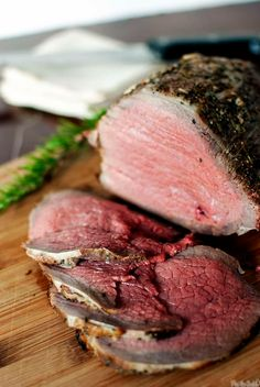 Grill-Roasted Beef Recipe | Kita Roberts PassTheSushi.com Grilled Roast Beef, Beef Sirloin Tip Roast, Sirloin Tips, Beef Tips, Beef Tenderloin, Pot Roast, Barbecue Recipes, Grilling Recipes, Beef Recipes