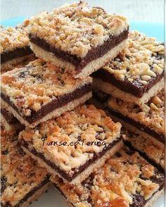Tepsi kurabiyesi tarifi – Kurabiye – The Most Practical and Easy Recipes Delicious Cookie Recipes, Sweet Recipes, Snack Recipes, Dessert Recipes, Yummy Food, Banana Split, Catering, Arabic Food, Turkish Recipes