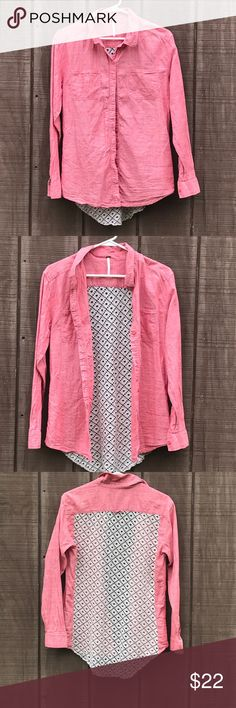 """Free People Button Down With Crochet Back Size S. Free People Chambray Button Down With Crochet Back. Size small. Measures 17.5"""" shoulder to shoulder, 19"""" armpit to armpit, and 17"""" at the waist. Free People Tops Button Down Shirts"""