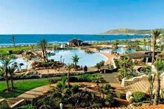 El ClubHotel Riu Tikida Dunas (Todo Incluido) se encuentra en primera línea de la playa de Agadir, Marruecos que es el principal centro turístico de la costa marroquí. ClubHotel Riu Tikida Dunas – Hotel en Agadir – Hotel en Marruecos - RIU Hotels & Resorts