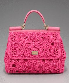 Crochet, unlike knitting and many other types of crafts, is not something that can be replicated by a machine; crochet has to be done by hand. Because of that, most fashion designers don't offer a lot of crochet in their collections. But crochet. Crochet Handbags, Crochet Purses, Crochet Bags, Knitted Bags, Easy Crochet, Straw Handbags, Purses And Handbags, Handbags 2014, Coach Handbags