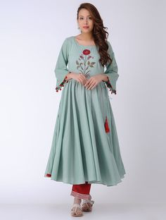 DRZYA BY RIDHI SURI Green Block Printed Cotton Mul Kurta Abaya Fashion, Women's Fashion Dresses, Indian Fashion, Indian Dresses, Indian Outfits, Casual Hijab Outfit, Kurta Designs, Indian Attire, Indian Designer Wear