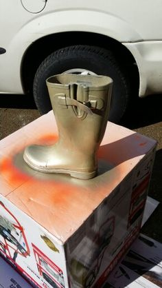 You can paint rubber boots with valspar duramax paint you can get spray paint old rain boots for an awesome touch solutioingenieria Images