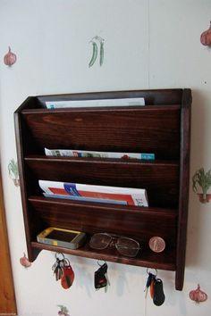 Porte courrier en bois