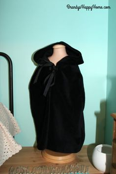 Serafina's Nightgown and Bedroom
