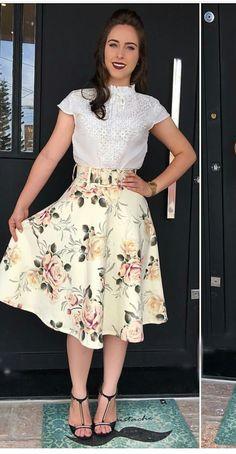 #modamodestaclassica #mustachestore #bembasiquinha #migasualoucaarrasou #lindasemservulgar #flordojardimdeDeus #lacretotal #pisamenos #inspiracaomaravilhosa #paratudoqueelavaipassar #temcomonaoamar #LookFechaçao #Top #poderosasim #elaélindaela Skirt Outfits, Dress Skirt, Midi Skirt, Cool Outfits, Trend Fashion, Womens Fashion, Church Fashion, Business Outfits, Minimal Fashion