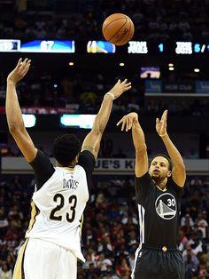 Warriors Guard Stephen Curry Named Kia NBA Most Valuable Player Nba Players, Basketball Players, Golden State Warriors Basketball, Nba Pictures, Larry Bird, Dallas Mavericks, Detroit Pistons, Oklahoma City Thunder