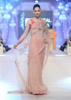 Best Pakistani Fashion Designer Bridal Collections at PFDC L'Oreal Paris Bridal Couture Week - Saniya Maskatiya Pakistani Couture, Pakistani Bridal, Pakistani Dresses, Indian Bridal, Indian Sarees, Indian Couture, Indian Attire, Indian Outfits, Indian Wear