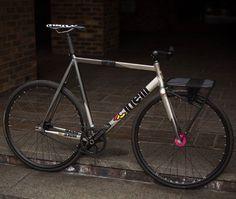 BeastyBike Another beauty by Cinelli 👍 👌 😍 na Surly Bike, Bici Fixed, Velo Retro, Bicycle Types, Fixed Gear Bicycle, Urban Bike, Speed Bike, Commuter Bike, Peugeot
