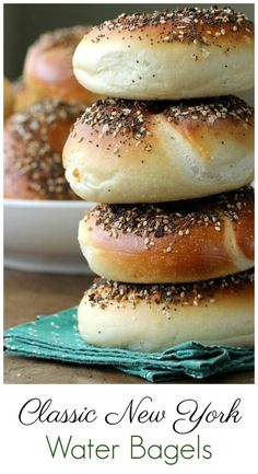 Classic New York Water Bagels Bit more salt and malt recommended Brunch Recipes, Bread Recipes, Appetizer Recipes, Breakfast Recipes, Cooking Recipes, Ny Bagel, New York Bagel, Bagel Bread, How To Make Bagels