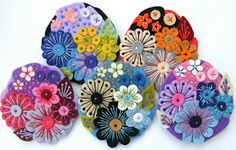 Found these exquisite felt brooches by British designer Jane Smallcombe . Jane loves all crafts and has been able to knit and crochet since. Embroidery Hearts, Wool Embroidery, Flower Embroidery, Embroidery Ideas, Felted Wool Crafts, Felt Crafts, Felt Applique, Applique Quilts, Moleskine