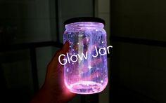 Aber keine Knicklichter verwenden, sondern wiederaufladbare Leuchtfarbe, wie im Kommentar unten beschrieben! DIY – Glow Jar | Leuchtglas